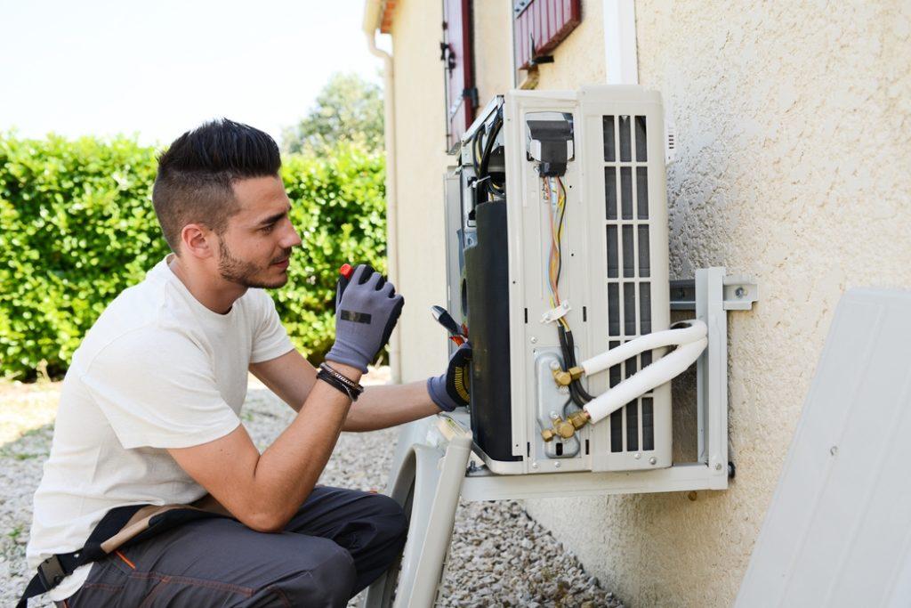Installation climatisation réversible groupe extérieur