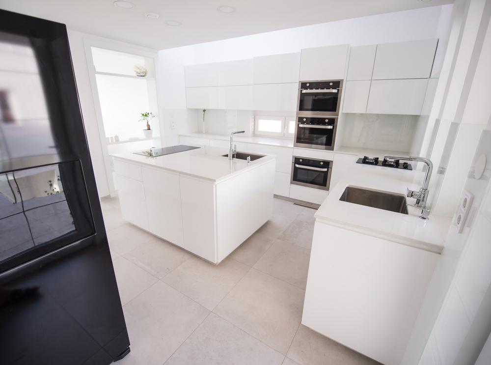 prix de pose d 39 une cuisine quip e en 2018 tous les prix et les marques. Black Bedroom Furniture Sets. Home Design Ideas