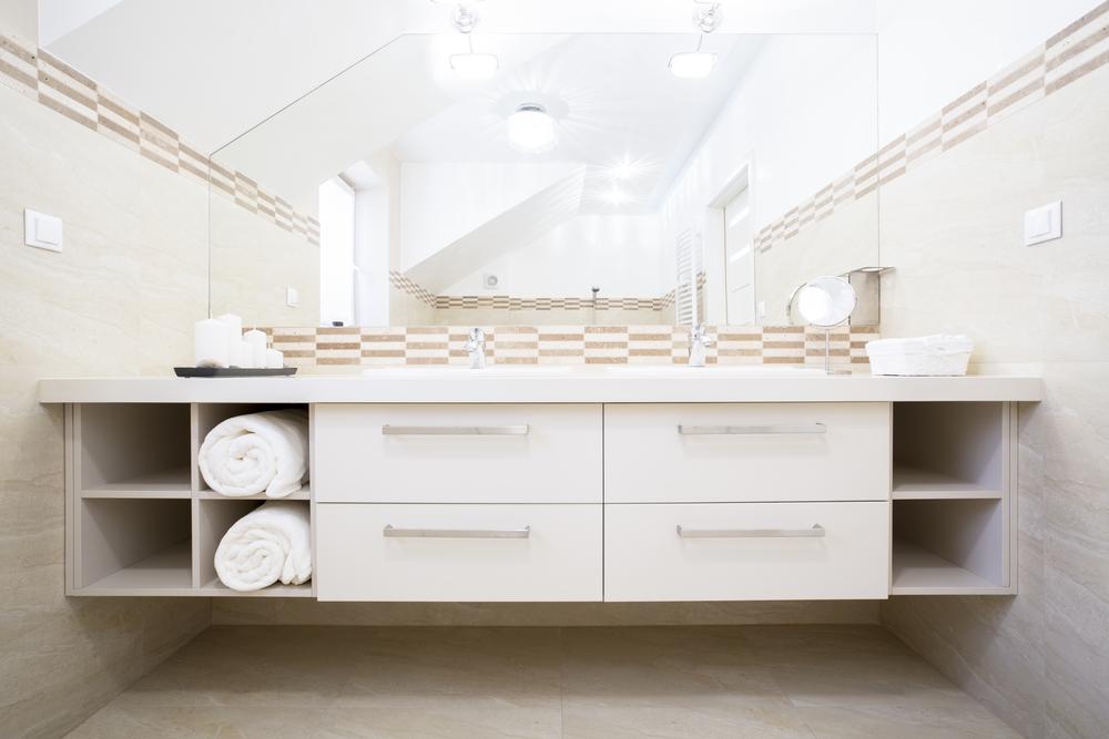 installation salle de bain comparatif des prix complet pose et mat riel. Black Bedroom Furniture Sets. Home Design Ideas
