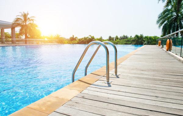 Construire une piscine en 2018 guide complet sur le budget pr voir for Prix piscine 5 x 10
