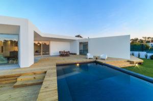 prix d une piscine semi enterr e guide complet sur le budget pr voir. Black Bedroom Furniture Sets. Home Design Ideas