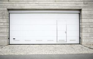 Faire construire un garage notre guide 2018 prix de - Prix d une porte de garage sectionnelle avec portillon ...