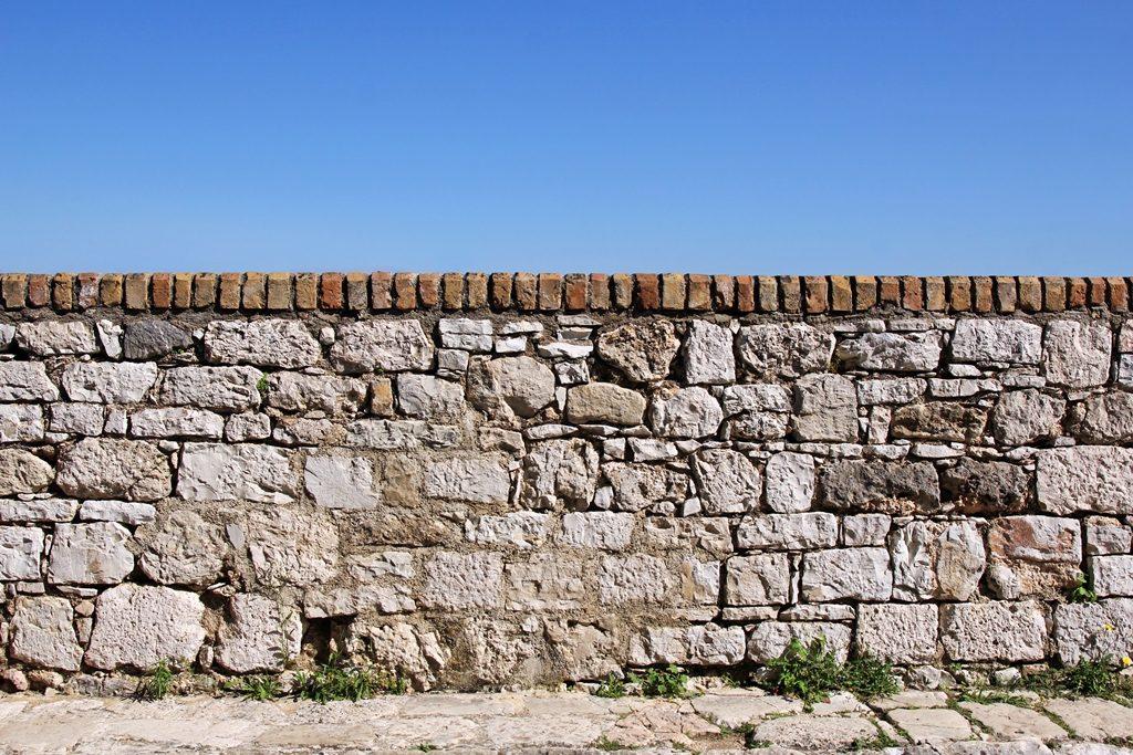 Prix d'un muret en pierre - clôture en pierre