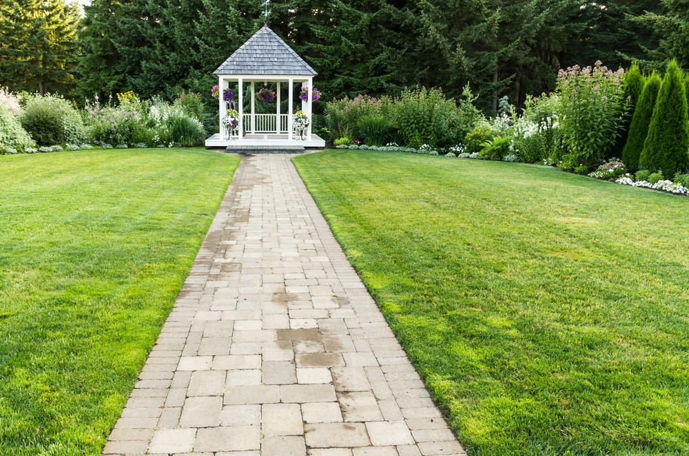 Le guide de l\'aménagement de jardin : prix, prestations et comparatif