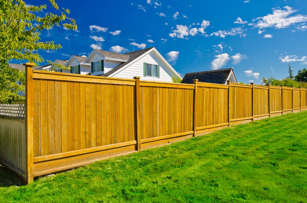 prix pose de clôture en bois