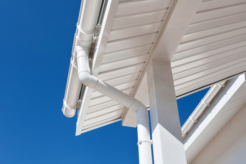 Débord de toit PVC