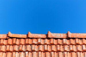 Faitage toiture en terre cuite